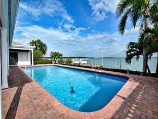 Island House Island House Waterside \'Island House\' on Island Estates