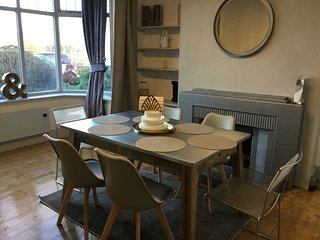 High Rid House - Stunning Large 3 Bed House , sleeps up to 10 people