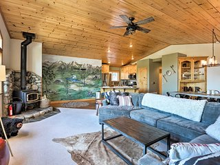 NEW! Luxury Tahoe Donner Home-Mins to Squaw Valley