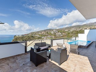 Lovely NEW villa in Calheta, sea-view, special 2019 prices – Casa da Belita