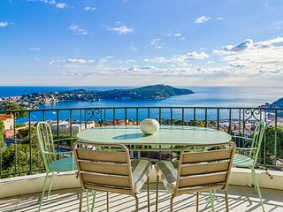 Fantastic penthouse apartment with panoramic seaview