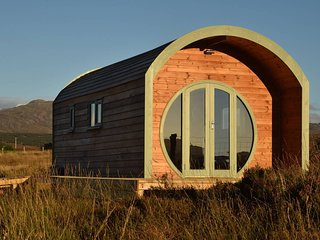The Hobbit House - Luxury glamping on the Isle of Skye