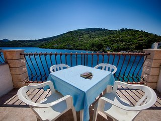 Apartments Malo Lago - One-Bedroom Apartment with Two Balconies and Sea View