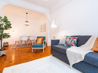 Stylish and bright 2-bedroom in Alameda