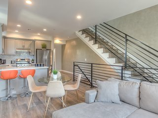 Brand New★Designer Home★Luxury in Central Hollywood