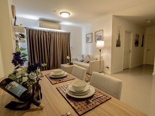Hua Hin Sea View 2 Bedroom Condo Next To True Arena & Near Vana Nava Water Park