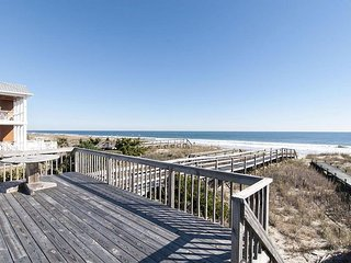 Oceanfront cottage with rooftop deck and private beach access