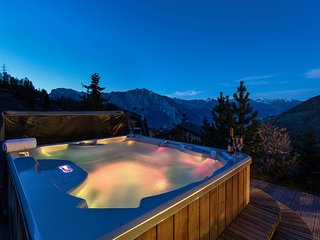 Chalet le Grand Ours - Luxury 5-bedroom chalet with jacuzzi, ski-in & ski-out, b