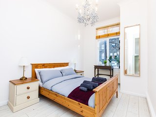 New Earls Court Apartment