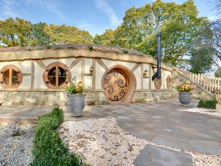 Hobbit House in Oastbrook Vineyard