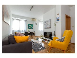 Brand new, 4 star luxury apartment in the center