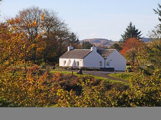 Tigh Grianach Cottage - Scottish Croft with Breathtaking Views over Loch Etive