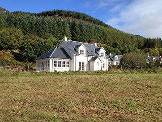 Feochan Bheag - Stunning Holiday House in Oban. Comfortably sleeps 10.