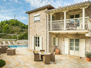 2 bedroom Villa in Agios Nikitas, Ionian Islands, Greece : ref 5705624