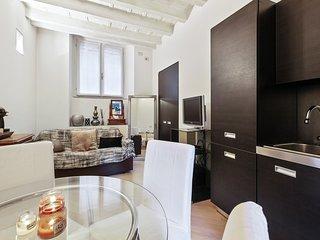Cadorna Cattolica Uni Apartment
