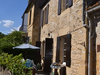 Traditional Holiday Cottage in Beynac