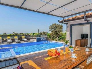 5 bedroom Villa in Viskovici, Istria, Croatia - 5705386