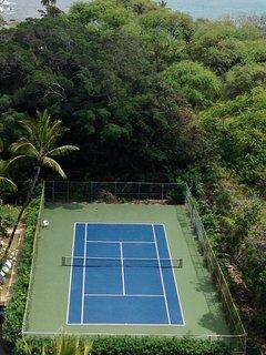 condo tennis court