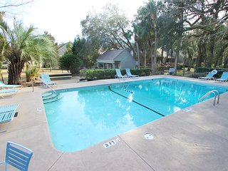 Recently updated villa w/ shared pool - perfect for your next getaway!