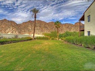 (L71-2) Best Views at Legacy! Lux Villa w/ Yard