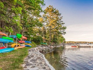 Mavooshen Retreat at Sprucewold, Private Beach Access, Minutes to Downtown