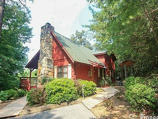 Mountain Rose Gatlinburg Cabin