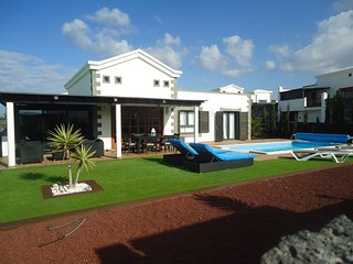 Villa Dalriada: Luxury villa, private pool, Wifi  full TV pack with Sky Sports
