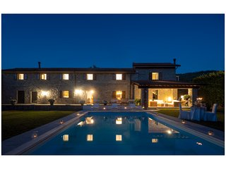 Tuscany: 'Casale T'Abita' Exclusive, Close to the Cinque Terre Sea. Private Pool