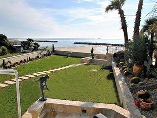 Location maison pour 12 personnes prs de la plage