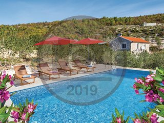 2 bedroom Villa in Pula, Dubrovacko-Neretvanska Zupanija, Croatia - 5737142