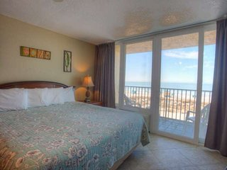 Beachfront Getaway. Comfortably Furnished with Amazing Views. Great Location. Pr