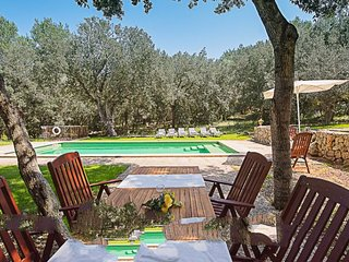 Arta Farmhouse Sleeps 6 with Pool Air Con and WiFi - 5717714