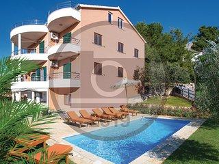 8 bedroom Villa in Vranjic, Splitsko-Dalmatinska Županija, Croatia : ref 5737230