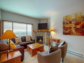 North 104 - 3 bedroom, 2 bathroom condo on the side of Perfection Ski Run