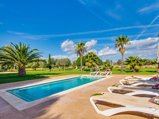 Santa Margalida Holiday Home Sleeps 6 with Pool Air Con and WiFi - 5736745