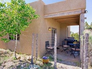 Santa Fe Casita Bonita! Charming 5 Star Vacation Rental in Santa Fe, NM