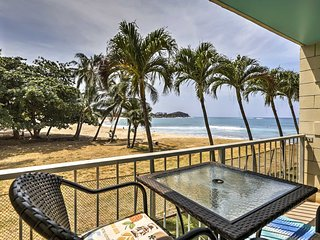 NEW-Oceanfront 'Makaha Getaway' Studio-Pool Access