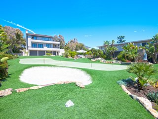 Perfect for Families and Golf Trips!  Huge Ocean Views.  3 Cal King Beds.