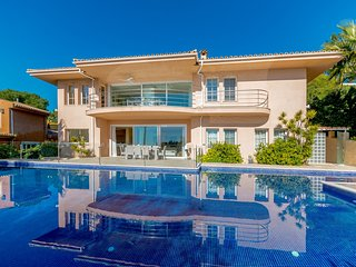 CATALINA - Stunning Large Villa with Pool&Sea View