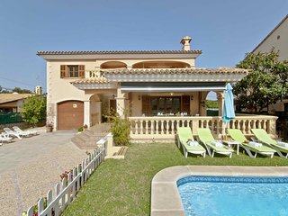 LLAC BLAU - Large Mediterran Style Villa with Pool