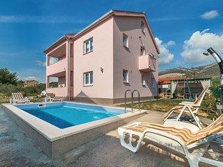 3 bedroom Apartment in Novi Stafilić, Croatia - 5737232