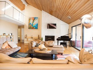 Malibu Luxury Retreat Villa, 8 bedrooms, sleeps 24+