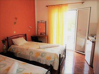 Elena's Garden- Room 1