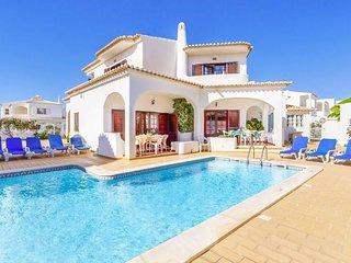 4 bedroom Villa in Galé de Cima, Faro, Portugal - 5716601