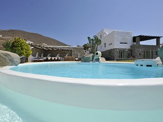 Villa Carmen with private pool, stunning seaview and close to Parikia