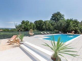 6 bedroom Villa in Milasi, Splitsko-Dalmatinska Županija, Croatia - 5737086