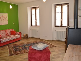 Parravicini Red Flower Holiday apartment Tirano