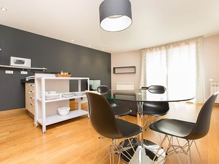 Stylish One bedroom flat in Eixample (Sagrada Familia), 5 min from Born