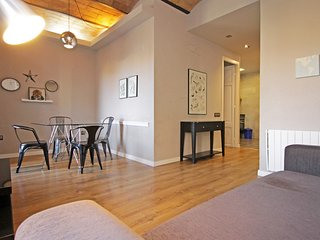 Heart of Eixample - 2 bedroom apartment with wifi- reception- arrival 24hr