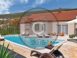 4 bedroom Villa in Donji Prolozac, Croatia - 5737167